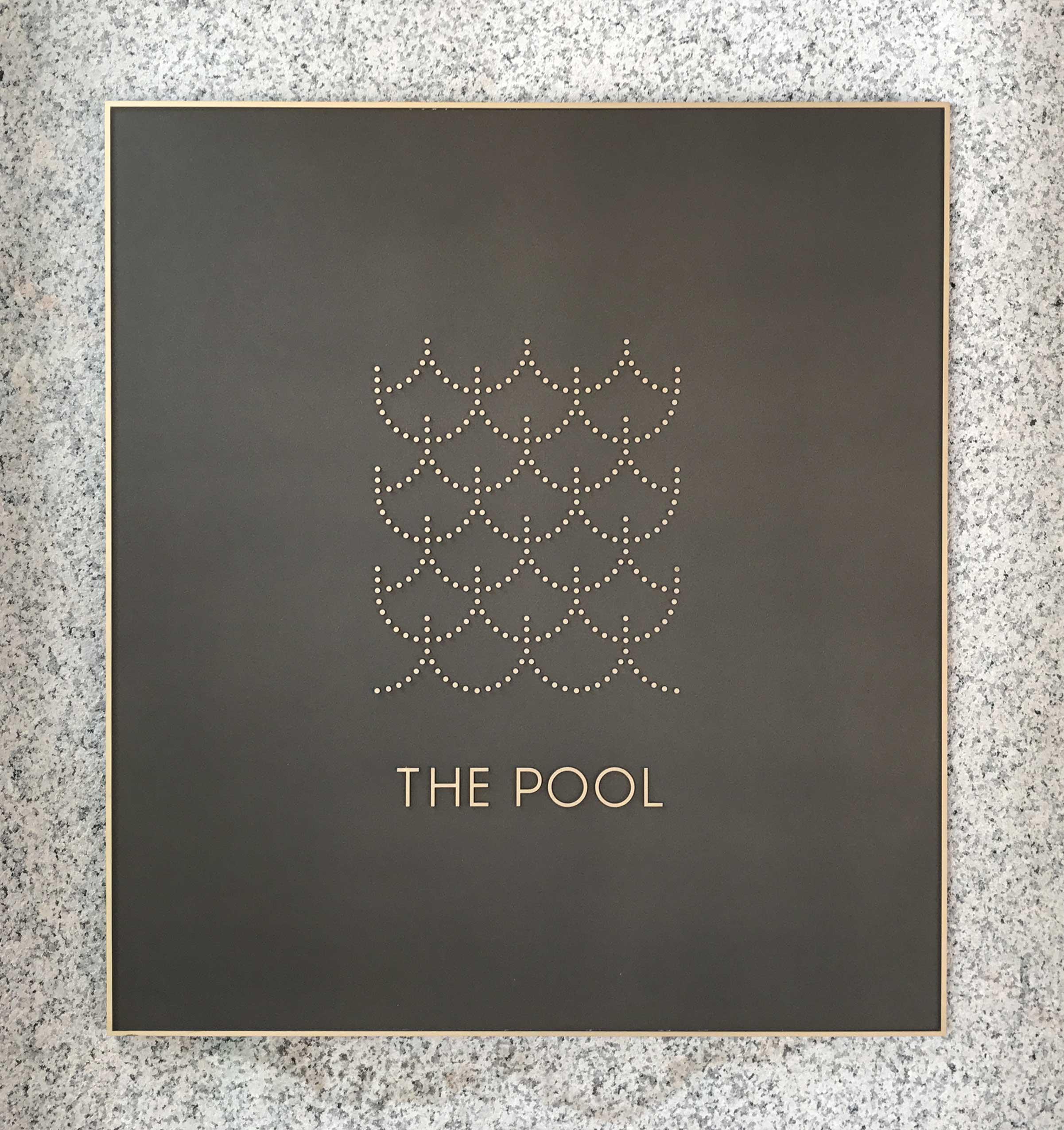 pool-plaque